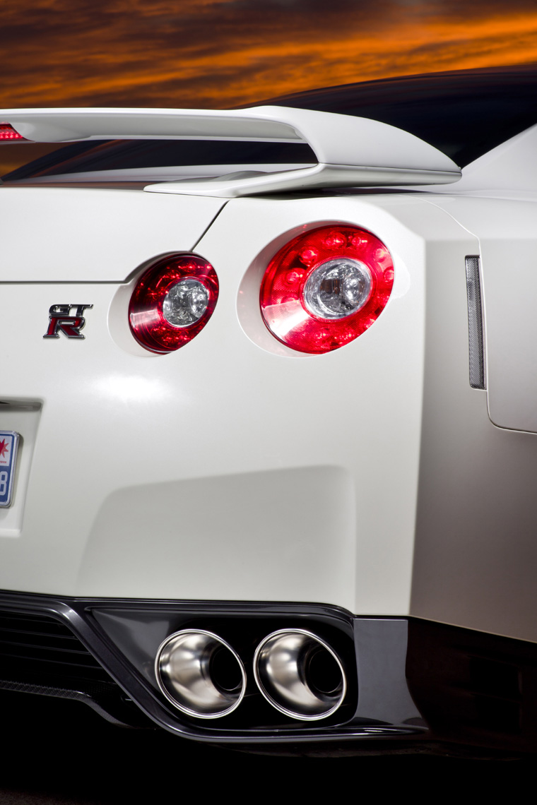 2011 nissan gt r tail light picture pic image. Black Bedroom Furniture Sets. Home Design Ideas